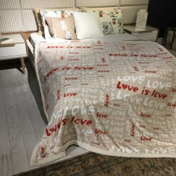 LOVE Wellsoft blanket 170 x 200 cm
